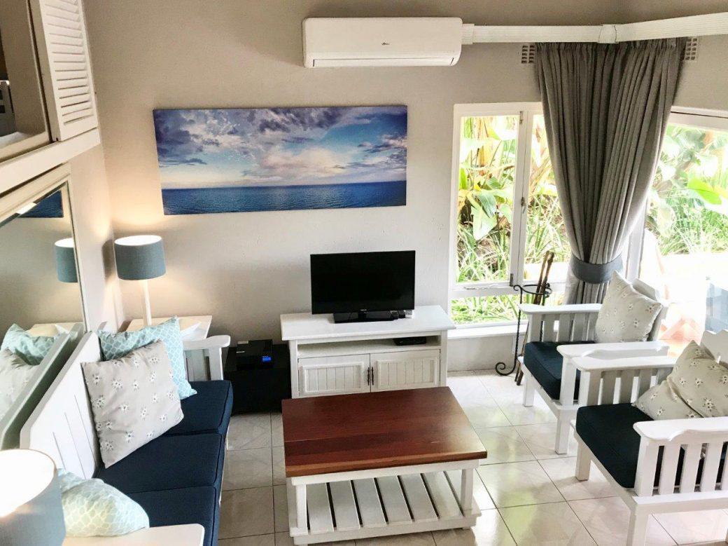 14 Lounge 05