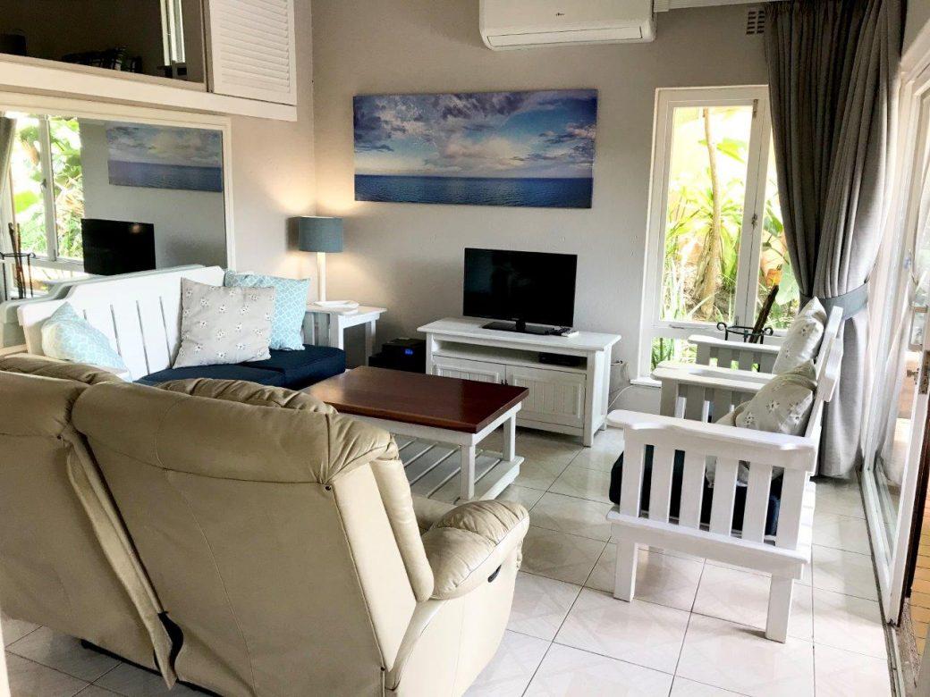 15 Lounge 06
