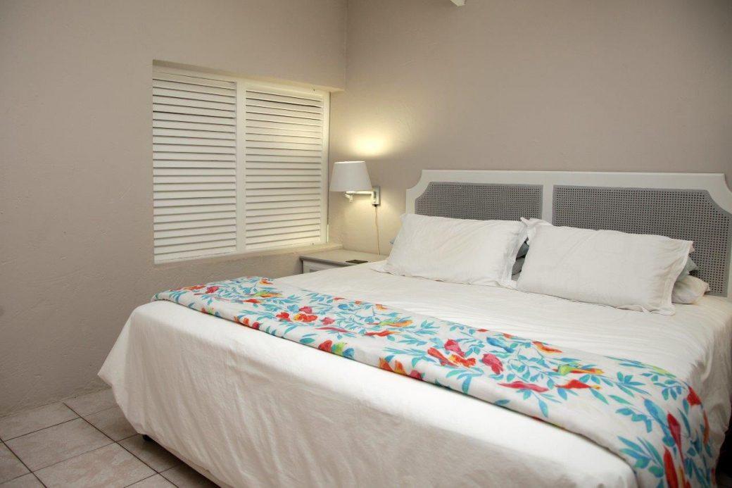 22 Main Bedroom 02