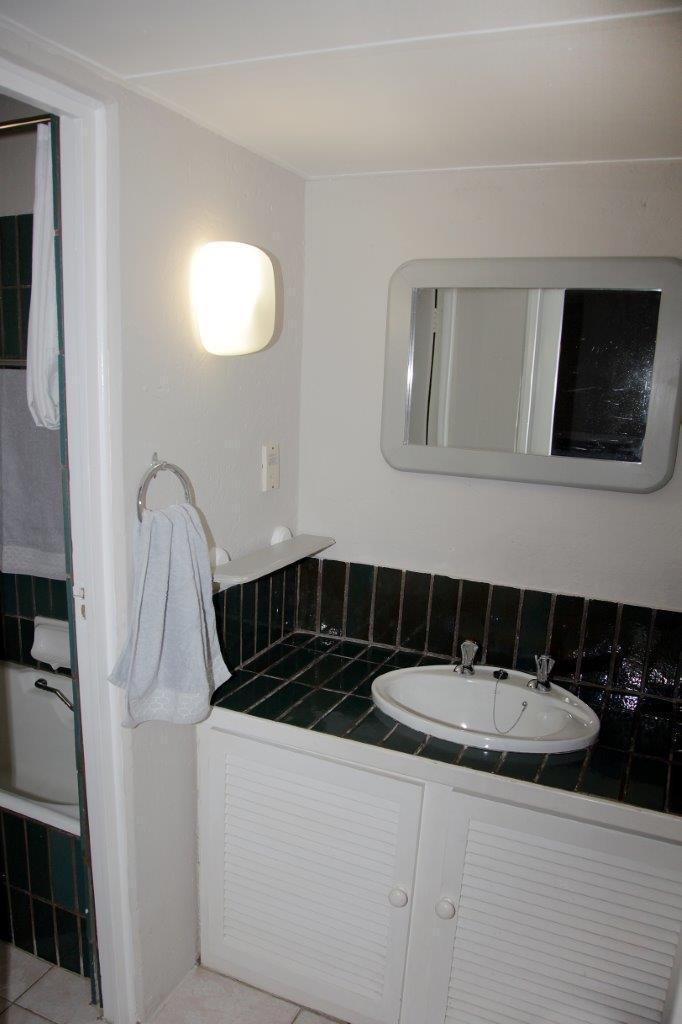 24 Main Bath en suite 03